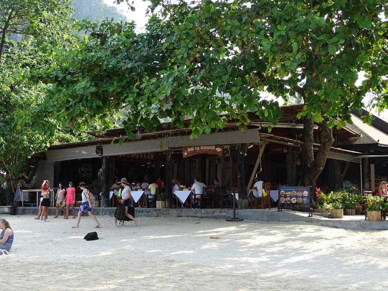 09. Cabane pe plaja