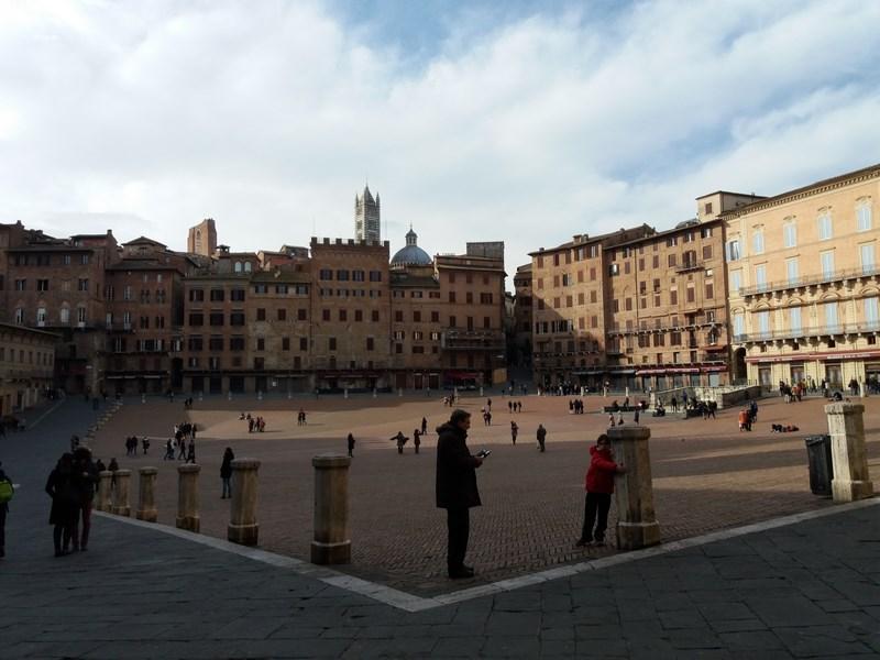 17. Piata Siena