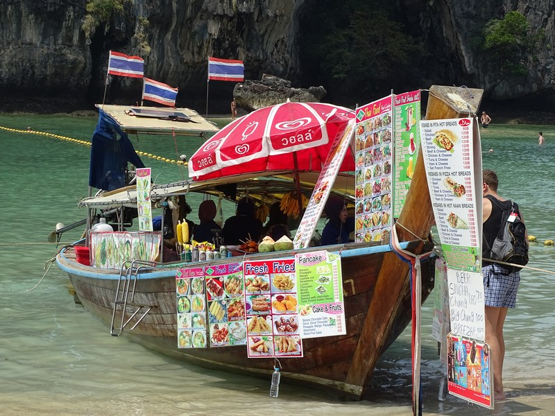 31. Food boat Railay