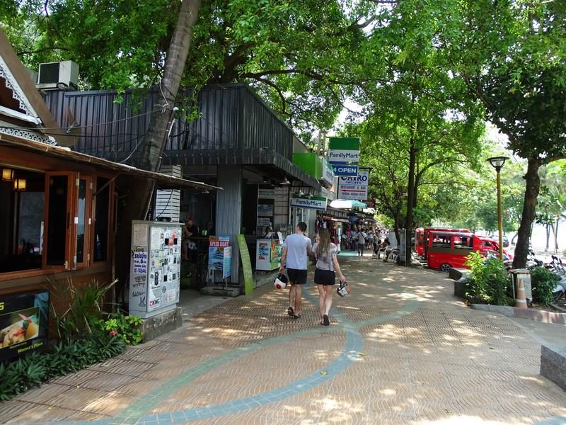43. Strada comerciala Thailanda