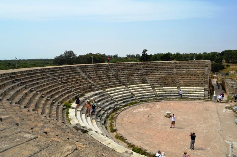 01. Salamis - teatrul