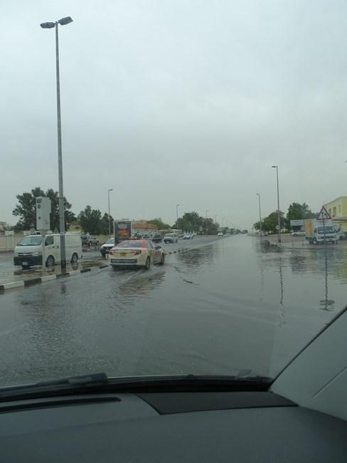 02. Ploaie in Dubai