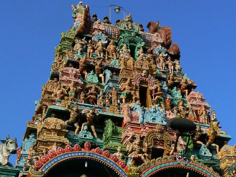 04. Templele multi-colore din India de Sud