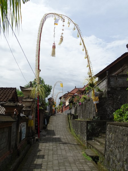 06. Strazi din Bali