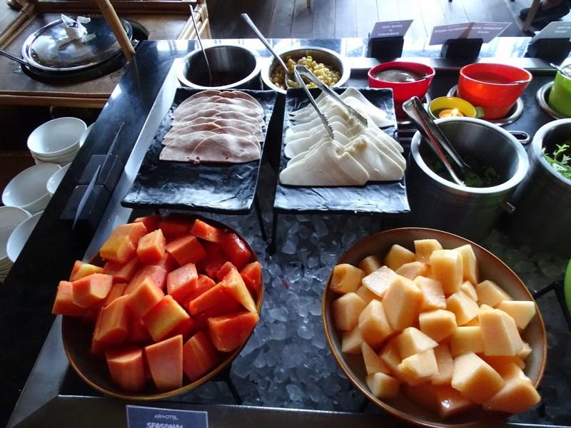 07. Fructe la mic dejun