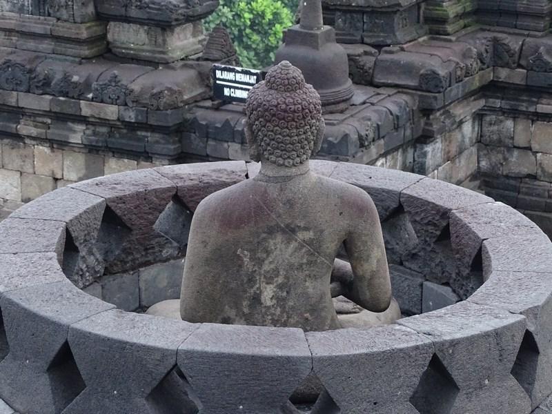 08. Buda Borobudur