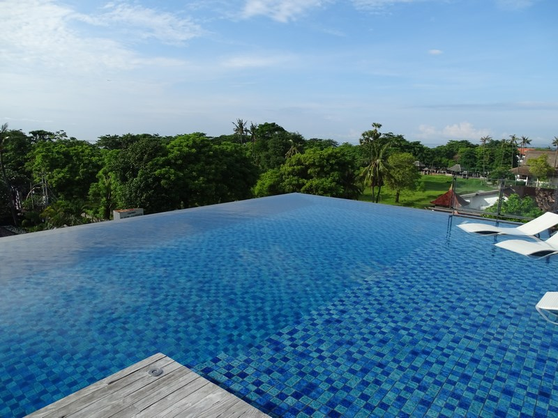 09. Infinity pool