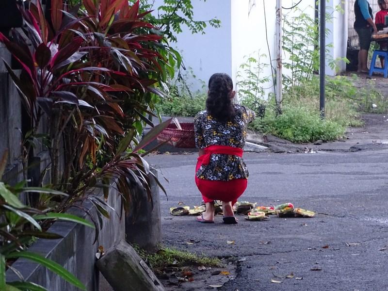 10. Ofrande la colt de strada