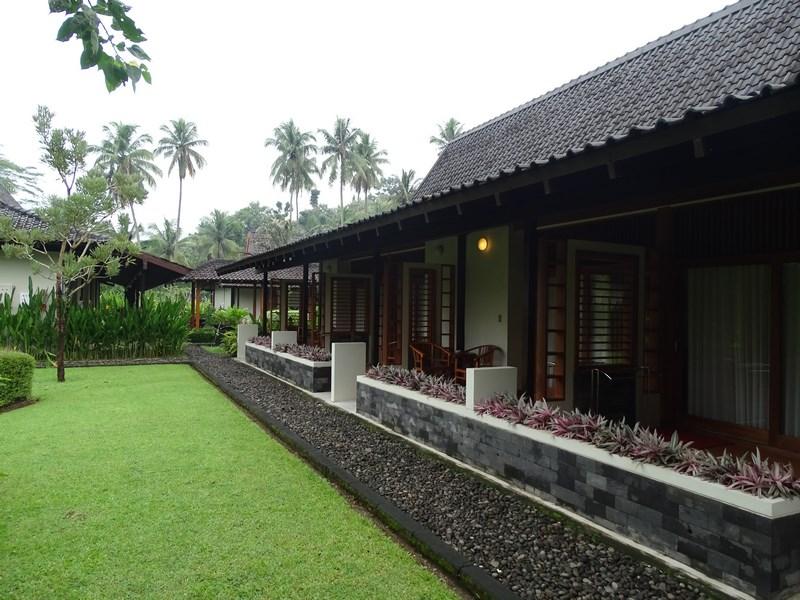 12. Manohara Resort