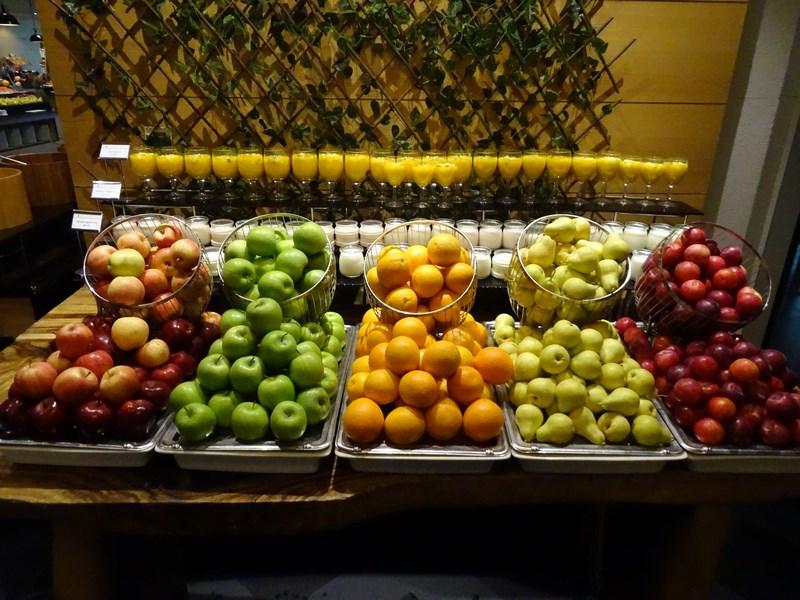 13. Fructe Dubai