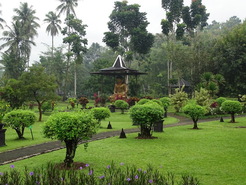 13. Manohara Resort Borobudur