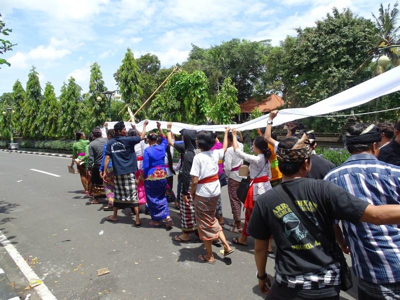 17. Inmormantare Bali