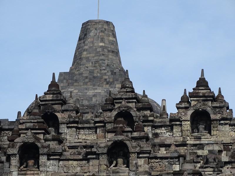 18. Borobudur - turn