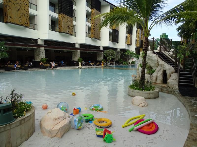 18. Nisip in piscina