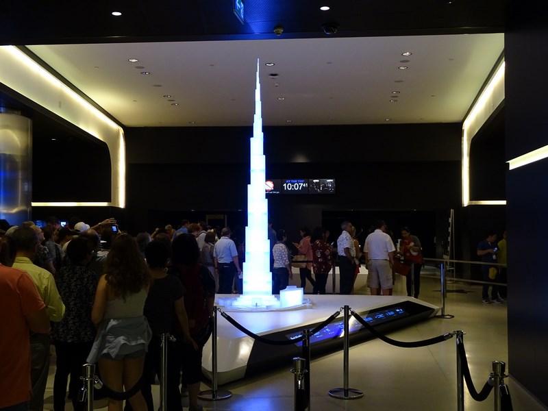 20. Macheta Burj Khalifa