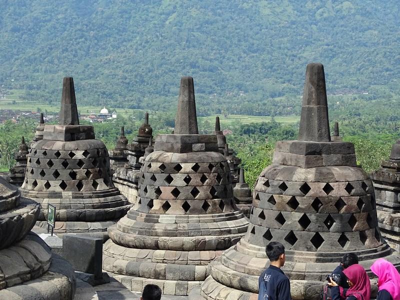 24. Borobudur
