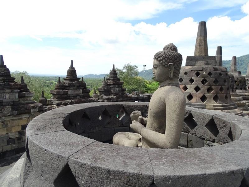 29. Buddha Borobudur