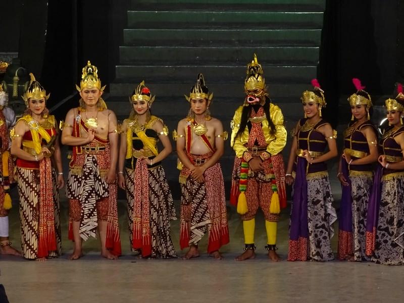 50. Ramayana spectacol