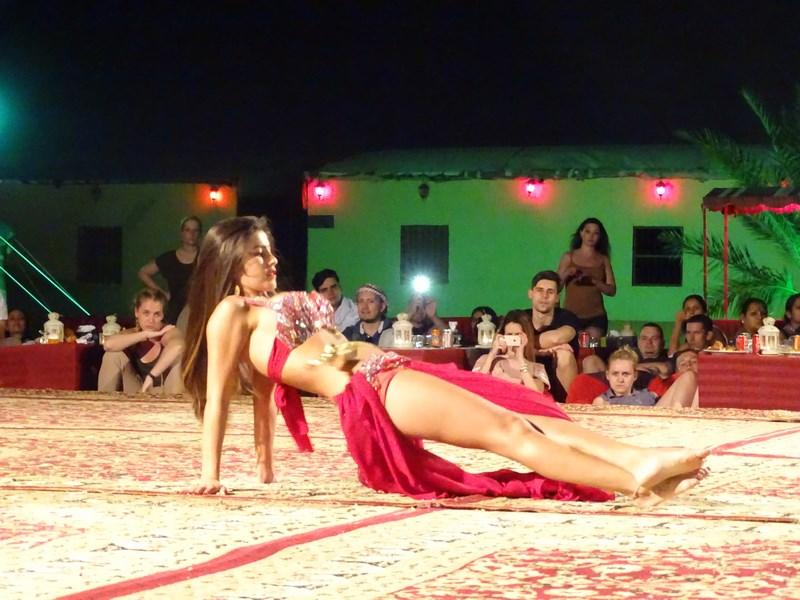 59. Dans din buric Dubai