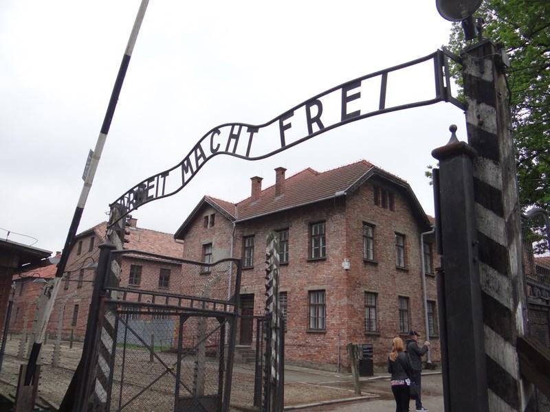 07. Auschwitz