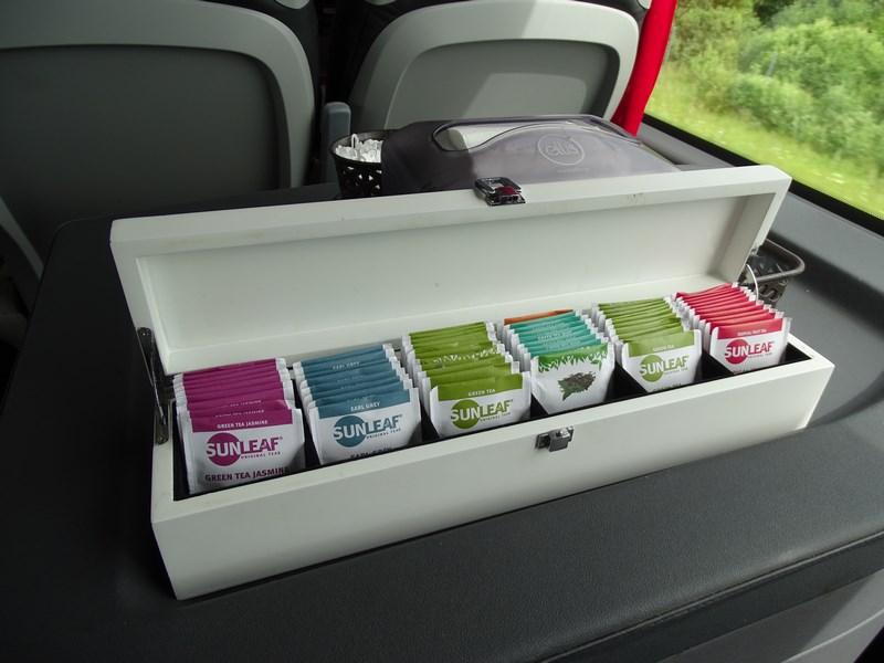 . Ceai In Autobuz