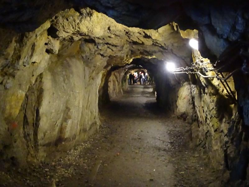. Tuneluri Din Riese Project