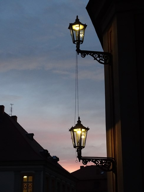 . Lampi De Gaz