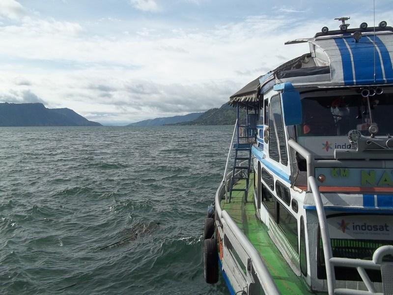 . Lacul Toba