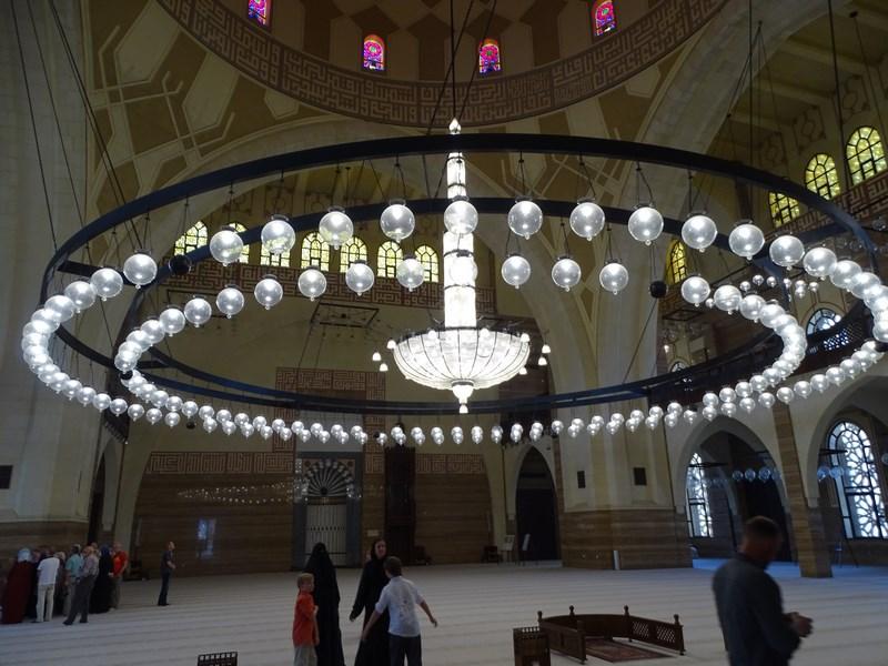 . Candelabru Moschee