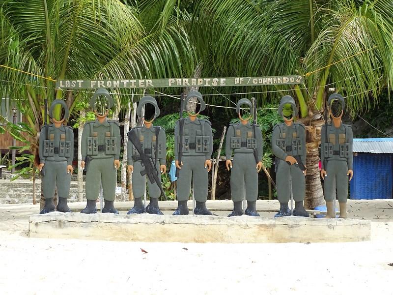 . Comandouri Filipine