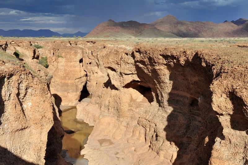.Desertul NamibCanionul Sesriem