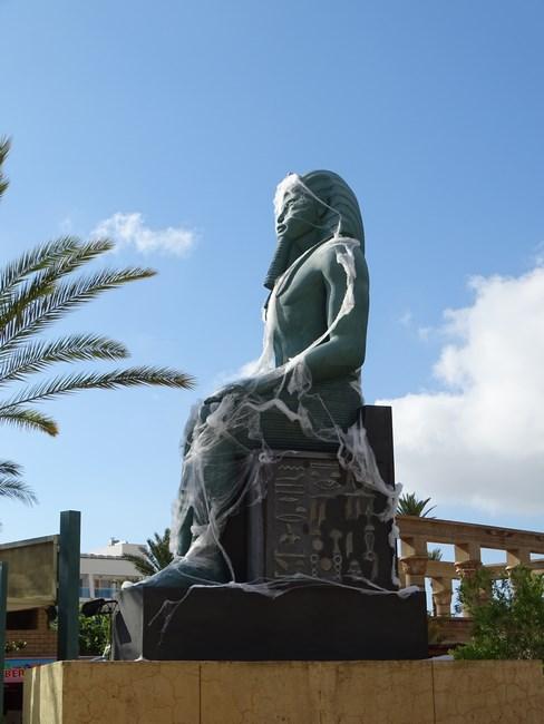 Statuie Egipteana