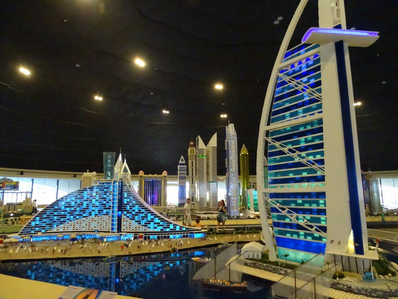 Burj Al Arab Lego