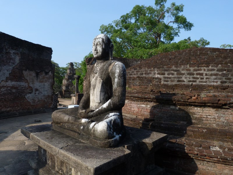 Statuie Buda