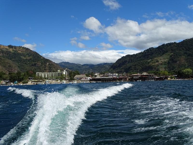 Cruise Atitlan