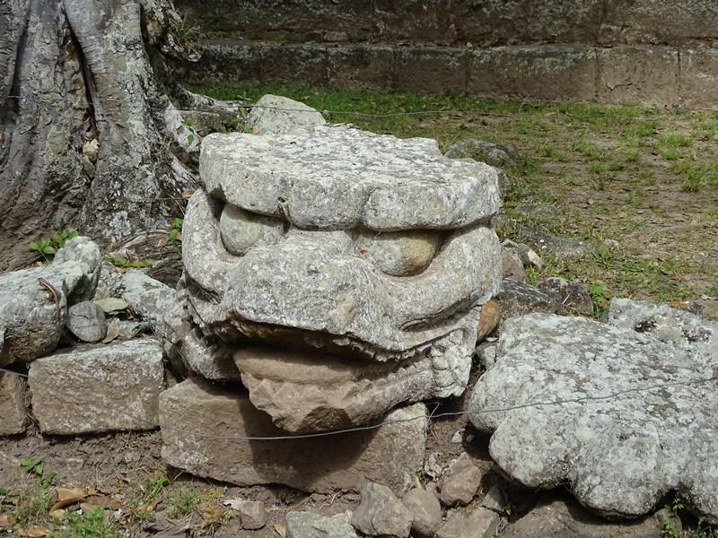 Statuie Mayasa