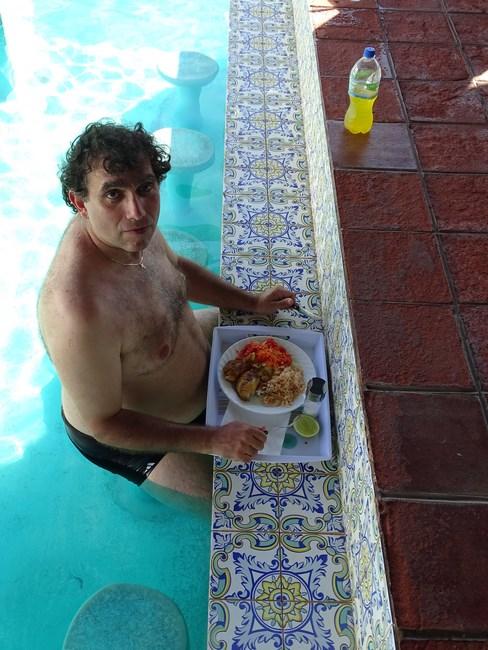 Pranz In Piscina