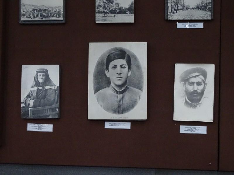 Stalin Cu Parintii