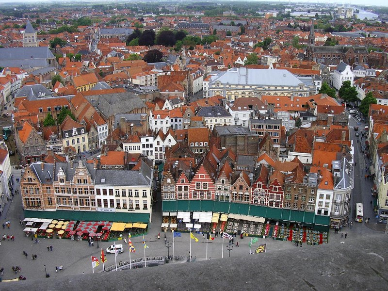 Piata Centrala Brugge