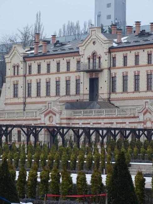Curte Castel Mimi