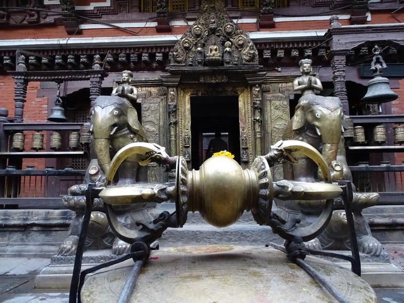 Fulgerul Budist