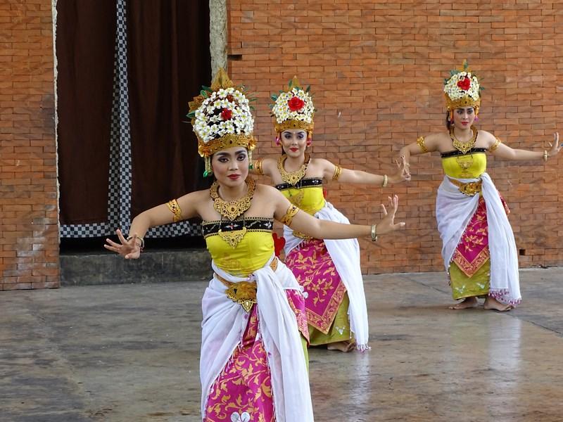 Dansuri Bali
