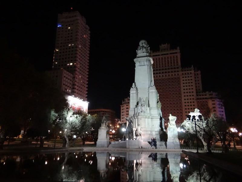 Statuia Lui Cervantes