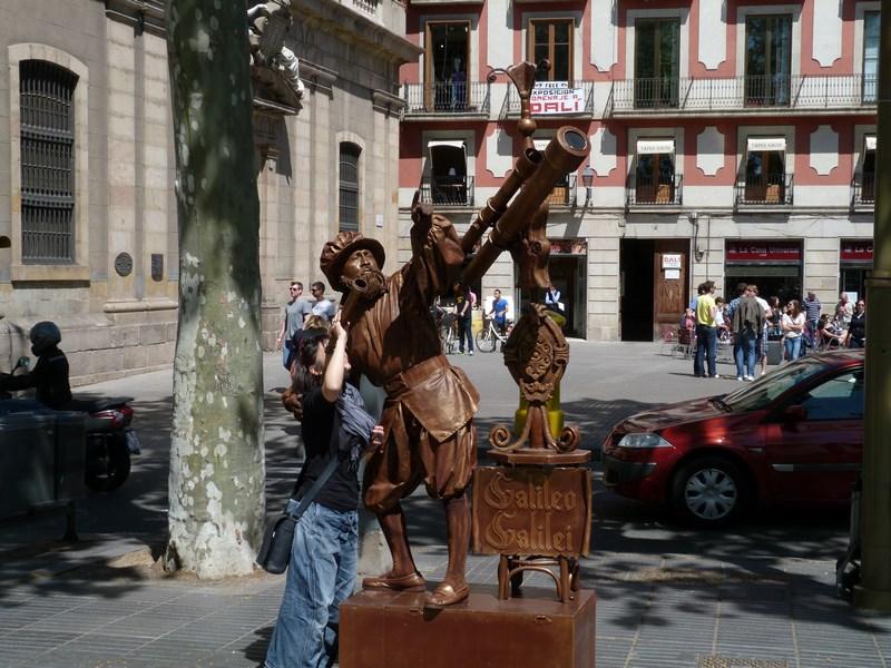 Statuie Umana Barcelona