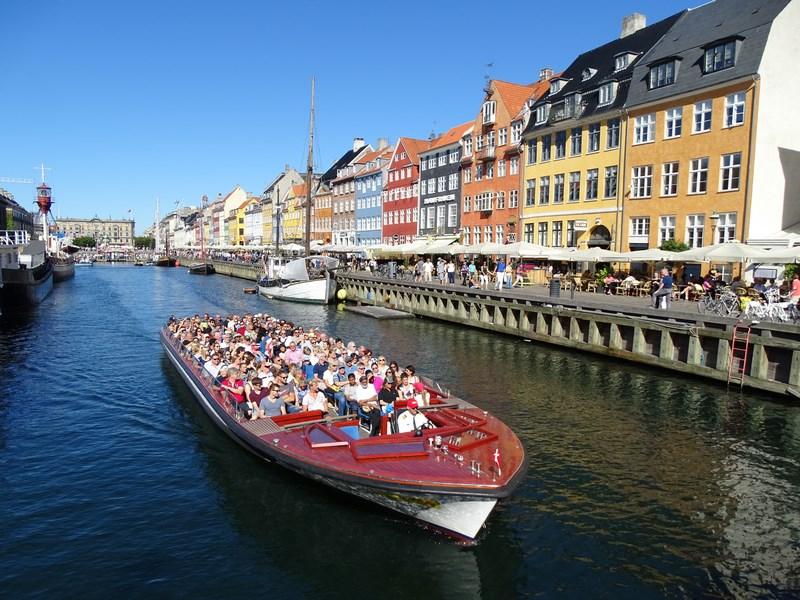 Tur Cu Barca In Copenhaga