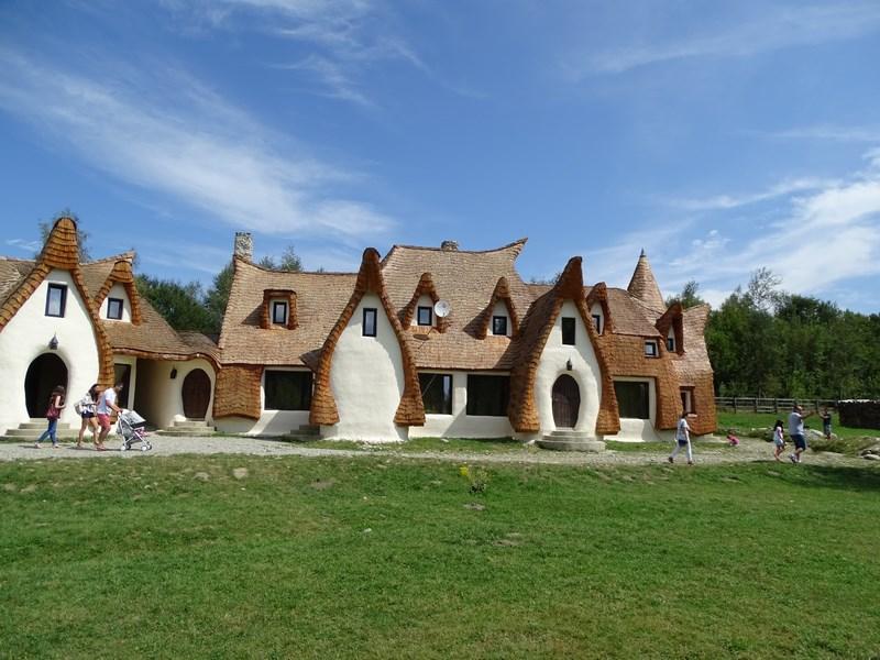 Castelul De Lut Porumbacu De Sus