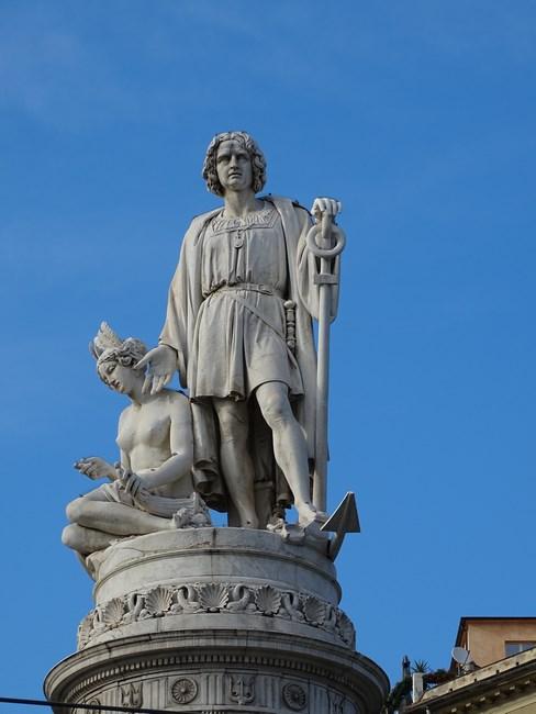 Statuie Columb
