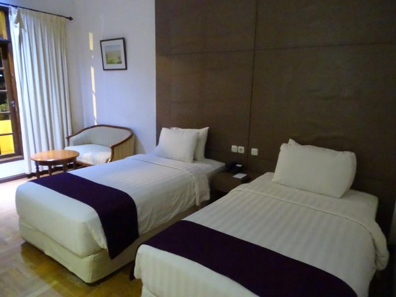 Camera Sinabung Hills Hotel