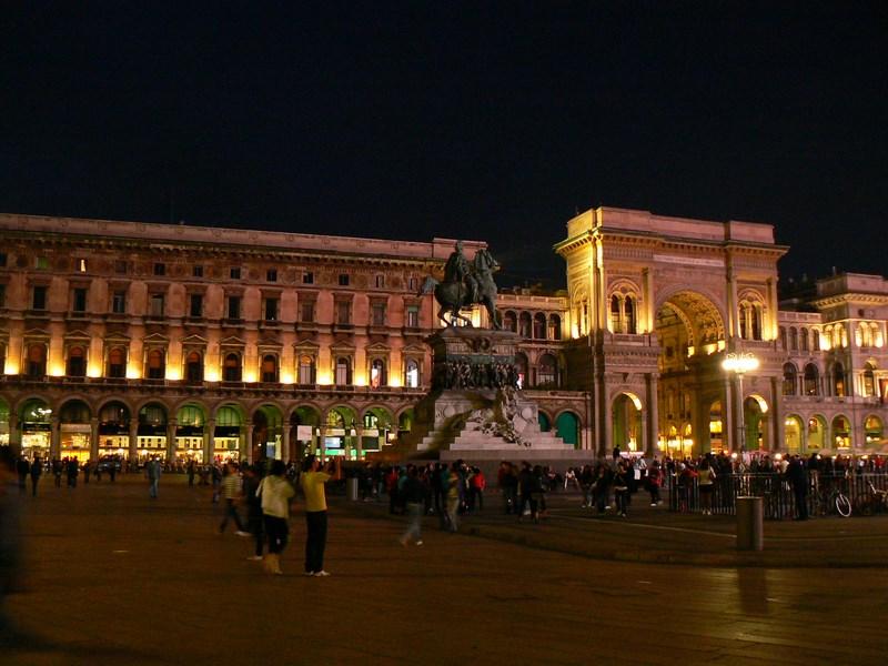 Piazza Del Duomo Noaptea