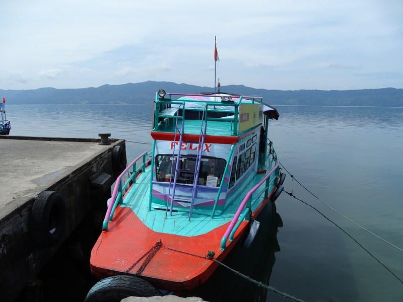 Vas De Plimbare Lacul Toba